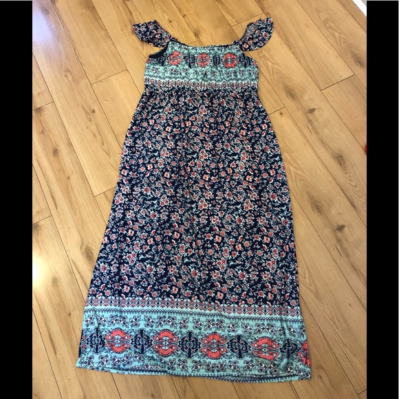 Sweet Flowery Maxi Dress 🌸